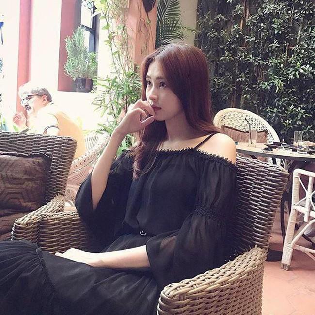 Đặng Thu Thảo: Từ thời còn con gái đến khi làm mẹ, nàng Hậu vẫn giữ nguyên niềm đam mê với váy áo kiểu này - Ảnh 2.