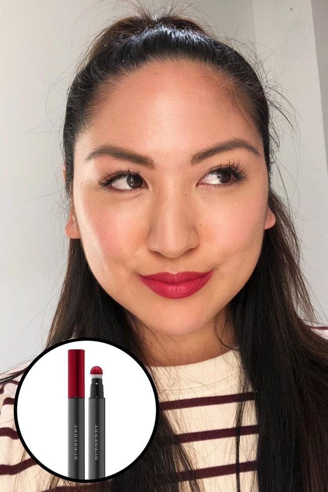 Beauty editor này sở hữu hơn trăm thỏi son và đây là 12 thỏi xuất sắc nhất mà ai cũng nên dùng thử - Ảnh 2.