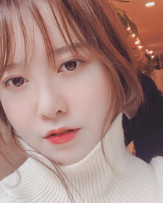 Đã 33 tuổi mà nhìn vẫn như đôi mươi, bí kíp của Goo Hye Sun chính là combo 3 bước makeup này - Ảnh 3.