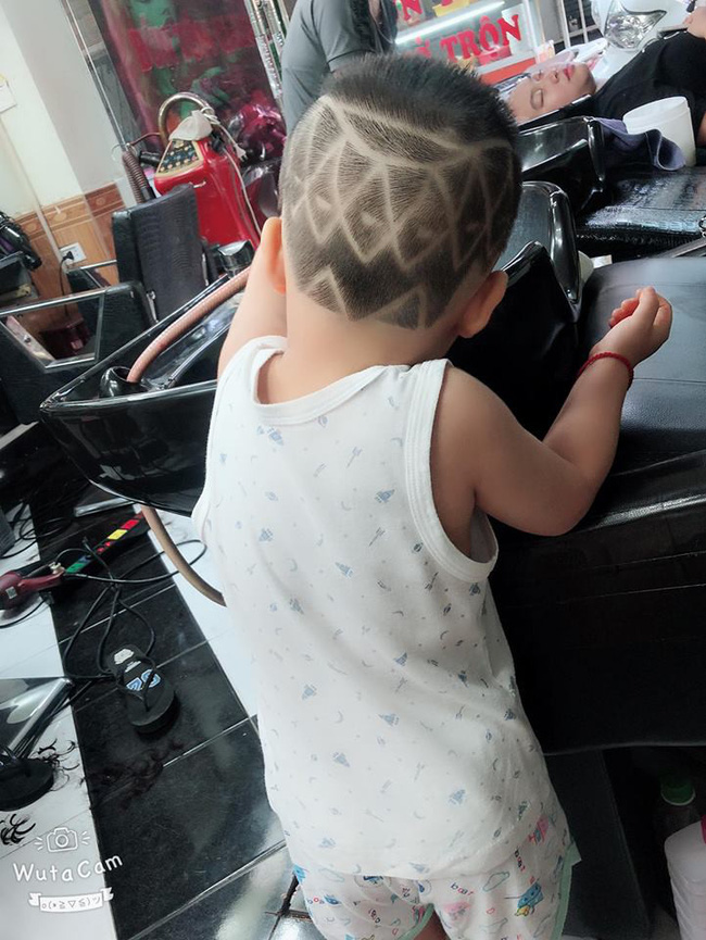 Đã tìm ra cậu bé chất chơi nhất Việt Nam, 4 tuổi đã sở hữu hàng chục kiểu tóc có một không hai - Ảnh 9.