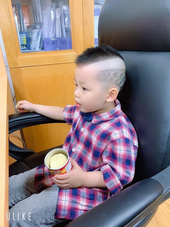 Đã tìm ra cậu bé chất chơi nhất Việt Nam, 4 tuổi đã sở hữu hàng chục kiểu tóc có một không hai - Ảnh 16.