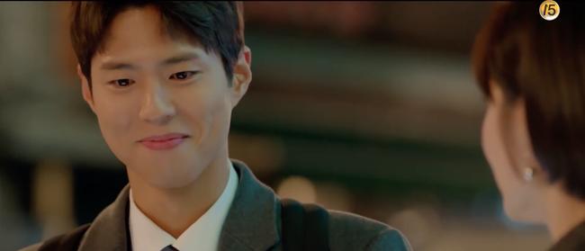 Chỉ vì hành động này của Song Hye Kyo mà Park Bo Gum tủm tỉm cười mãi dù cô đã đi xa - Ảnh 2.