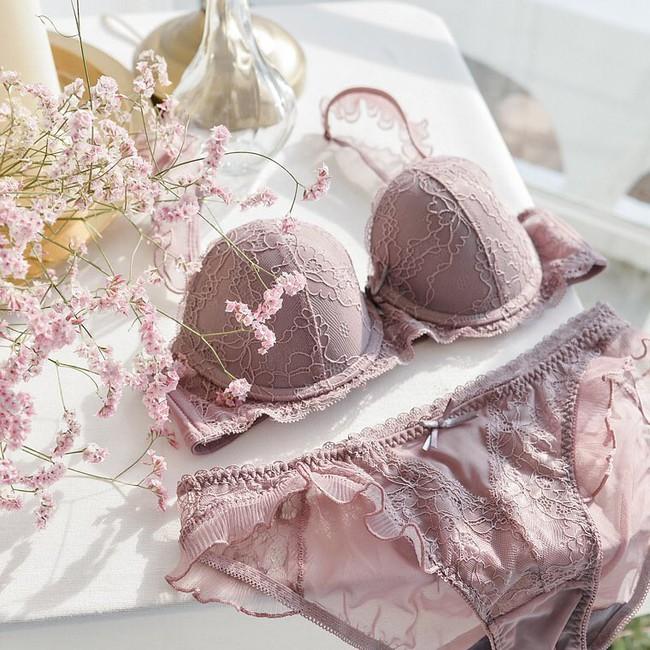 Để mặc chiếc áo ngực của mình thật lâu bền, các nàng cần tránh 4 sai lầm sau khi giặt giũ và bảo quản - Ảnh 1.