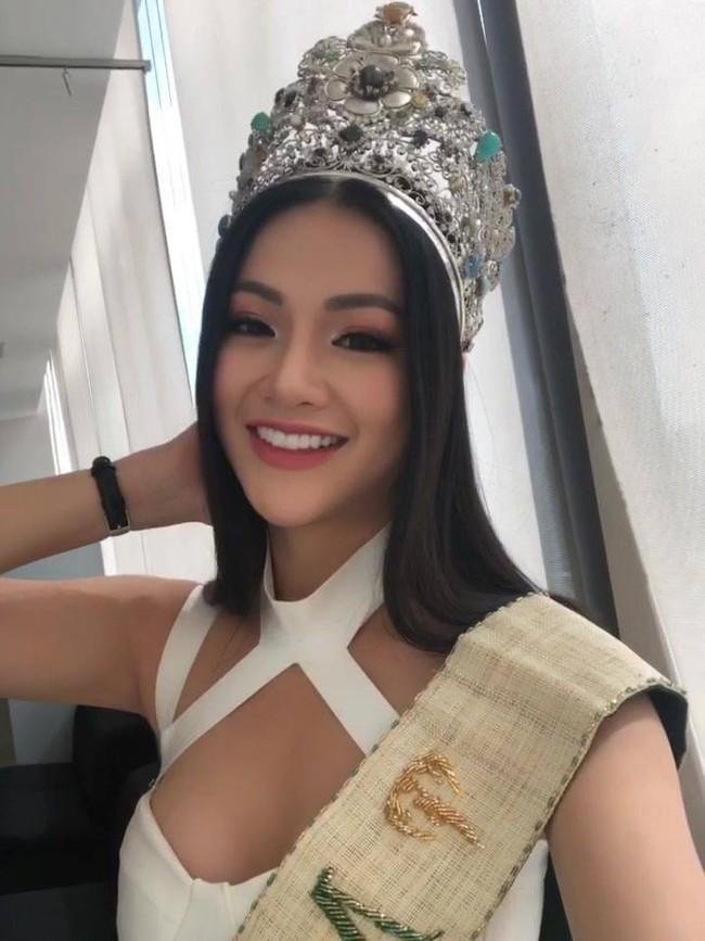 Xem ảnh Tân Hoa hậu Trái đất 2018 vừa đăng quang mới giật mình vì nhan sắc chỉ sau nửa năm đã thay đổi đến lạ kỳ! - Ảnh 1.