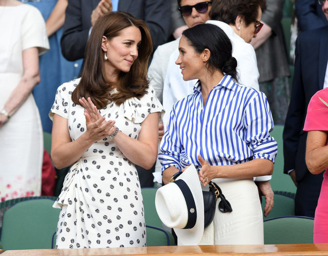 Dù đang bị Meghan Markle chiếm spotlight nhưng Kate Middleton vẫn là biểu tượng thời trang có tầm ảnh hưởng lớn nhất - Ảnh 1.