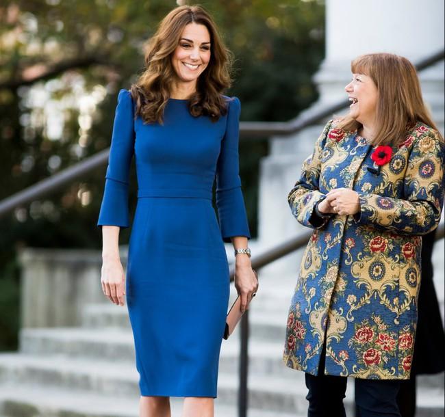 Dù đang bị Meghan Markle chiếm spotlight nhưng Kate Middleton vẫn là biểu tượng thời trang có tầm ảnh hưởng lớn nhất - Ảnh 2.