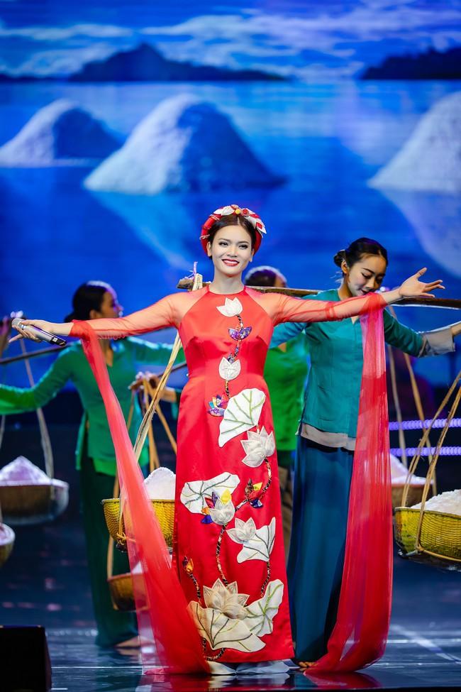 Phạm Phương Thảo cùng Thanh Lam, Trọng Tấn khiến khán giả cay mắt, hân hoan trong liveshow kỷ niệm 20 năm ca hát - Ảnh 6.