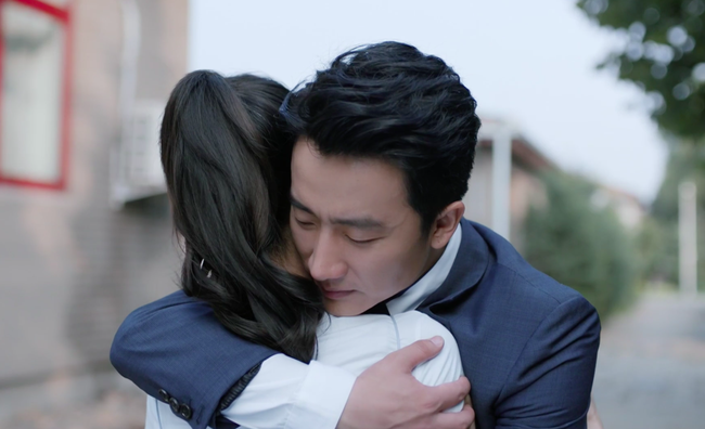 Sau vụ ồn ào lên giường nhầm người, bỏ rơi Angelababy,  Hoàng Hiên chính thức vượt mặt Chung Hán Lương  - Ảnh 7.