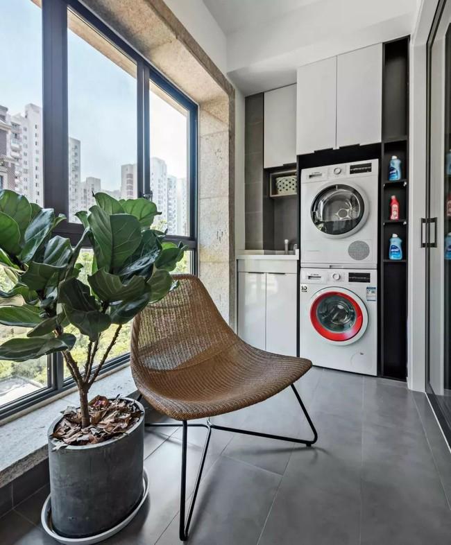 Tận dụng ban công làm nơi vừa thư giãn vừa để máy giặt, giải pháp siêu hay cho những người ở nhà chung cư - Ảnh 12.