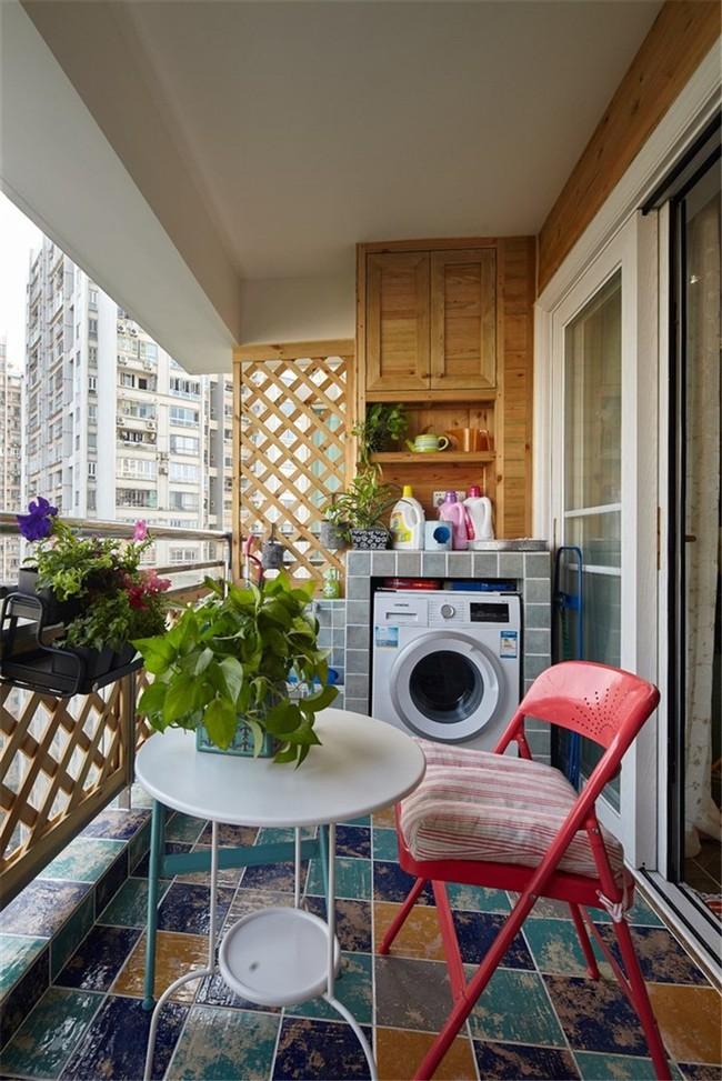 Tận dụng ban công làm nơi vừa thư giãn vừa để máy giặt, giải pháp siêu hay cho những người ở nhà chung cư - Ảnh 9.