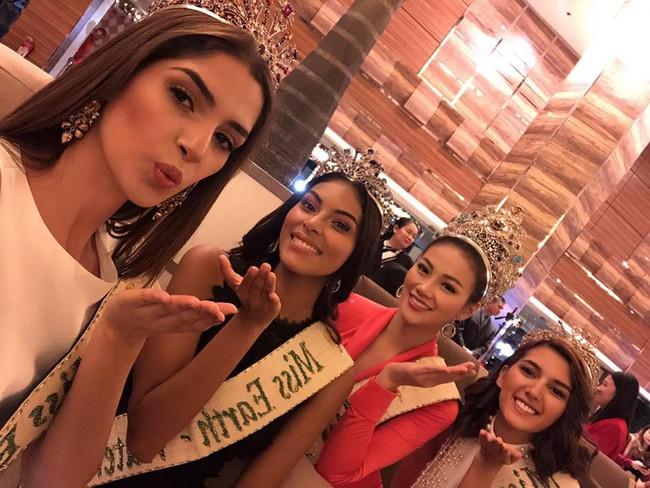 Lép vé về chiều cao, Nguyễn Phương Khánh vẫn nổi bần bật bên ba Á hậu Miss Earth 2018 - Ảnh 5.
