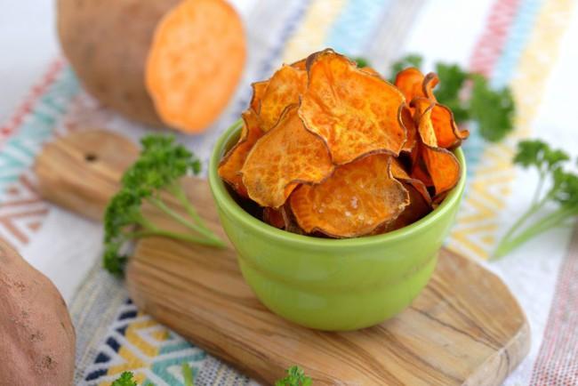 Đâu chỉ bữa chính mới cần Eat Clean, ăn vặt có món khoai lang chip cũng Clean không kém! - Ảnh 5.
