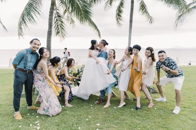 Bí mật của chiếc váy cưới và khoảnh khắc first look hạnh phúc ở đám cưới chất phát ngất do cô dâu tự tay trồng - Ảnh 15.