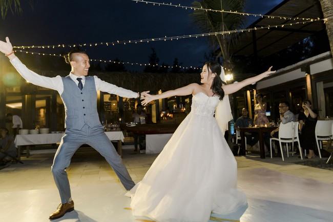 Bí mật của chiếc váy cưới và khoảnh khắc first look hạnh phúc ở đám cưới chất phát ngất do cô dâu tự tay trồng - Ảnh 17.
