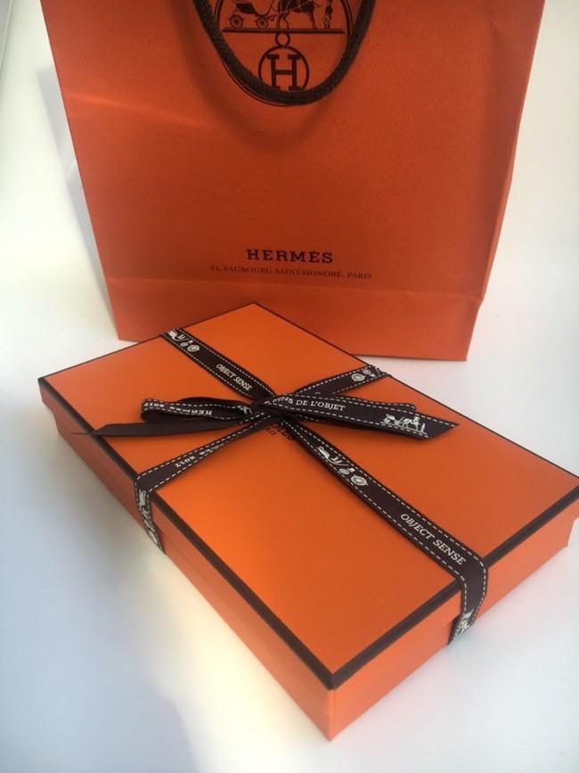 Hermes bán móc treo túi hơn 16 triệu, netizen Hàn đồng loạt gào thét, có người cho rằng tiền này mua ngựa thật còn hơn - Ảnh 1.