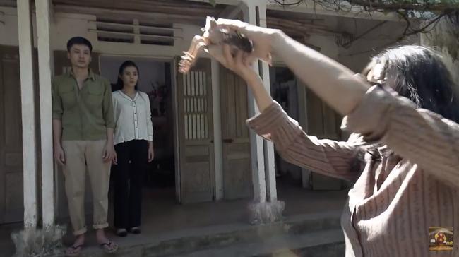 Cuộc hội ngộ giữa Quỳnh Búp Bê và Lan Cave lấy hết nước mắt khán giả với diễn xuất đỉnh cao của Thanh Hương - Ảnh 2.