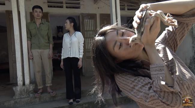 Cuộc hội ngộ giữa Quỳnh Búp Bê và Lan Cave lấy hết nước mắt khán giả với diễn xuất đỉnh cao của Thanh Hương - Ảnh 4.