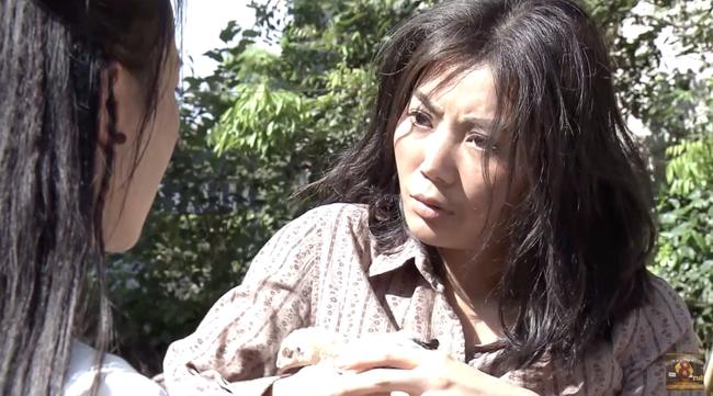 Cuộc hội ngộ giữa Quỳnh Búp Bê và Lan Cave lấy hết nước mắt khán giả với diễn xuất đỉnh cao của Thanh Hương - Ảnh 8.