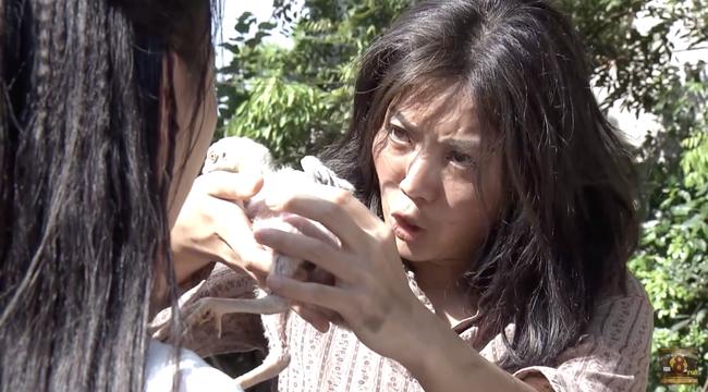Cuộc hội ngộ giữa Quỳnh Búp Bê và Lan Cave lấy hết nước mắt khán giả với diễn xuất đỉnh cao của Thanh Hương - Ảnh 7.