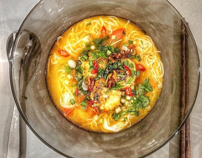 Vốn đã nấu nướng đỉnh của đỉnh rồi nhưng sau khi kết hôn, trình độ bếp núc của Lan Khuê còn lên tay cỡ này - Ảnh 3.