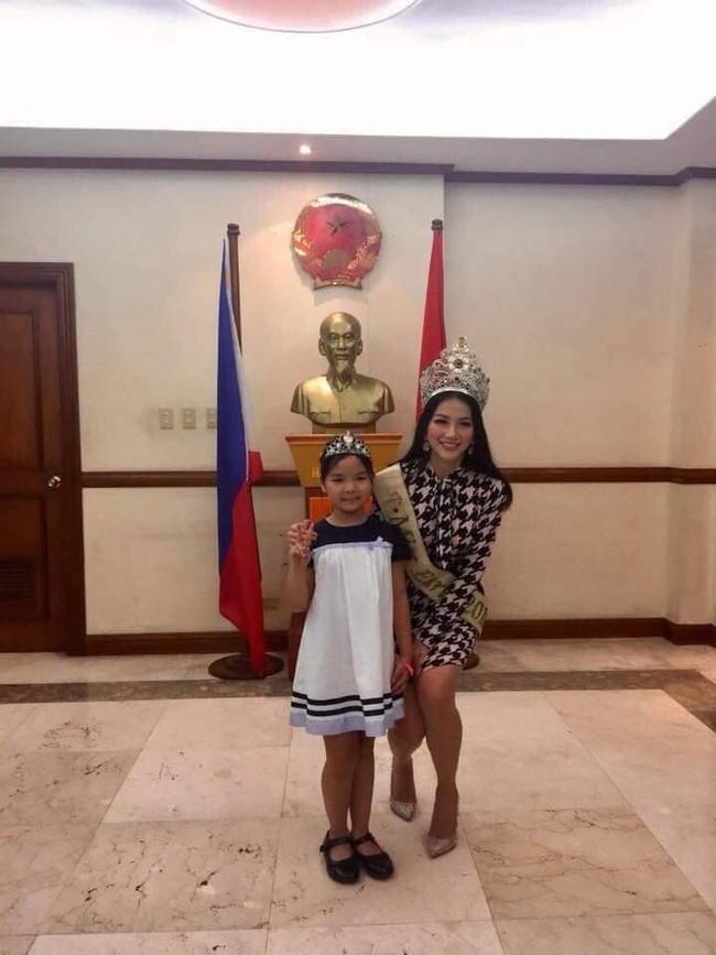 Hoa hậu Trái đất Nguyễn Phương Khánh chia sẻ niềm vinh dự khi đến thăm Đại sứ quán Việt Nam tại Philippines - Ảnh 2.