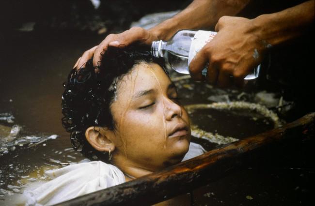 Bi kịch của Omayra Sanchez và đôi mắt đen hấp hối vẫn ám ảnh cả thế giới dù cho đã 33 năm trôi qua - Ảnh 5.