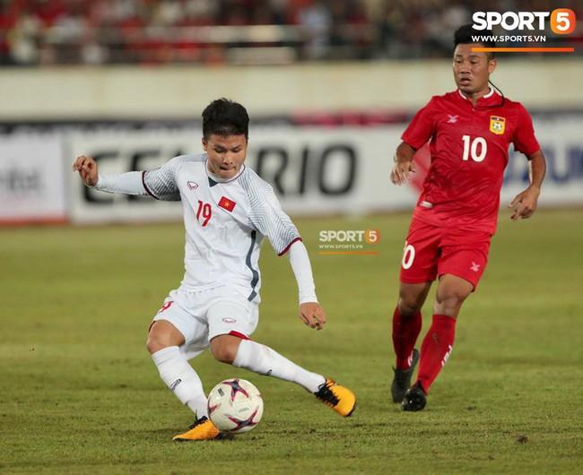 Lào 0-3 Việt Nam: Hàng công rực sáng, Việt Nam ra quân thuận lợi tại AFF Cup 2018 - Ảnh 17.