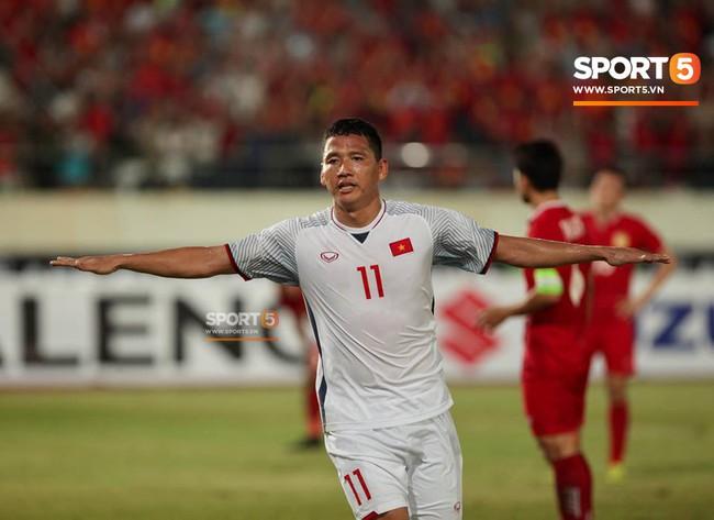 Lào 0-3 Việt Nam: Hàng công rực sáng, Việt Nam ra quân thuận lợi tại AFF Cup 2018 - Ảnh 19.