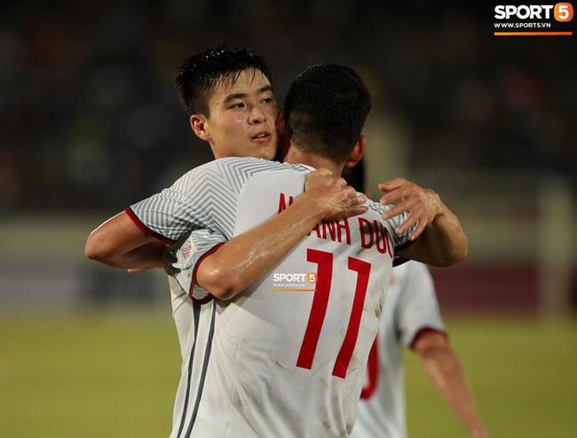 Lào 0-3 Việt Nam: Hàng công rực sáng, Việt Nam ra quân thuận lợi tại AFF Cup 2018 - Ảnh 20.