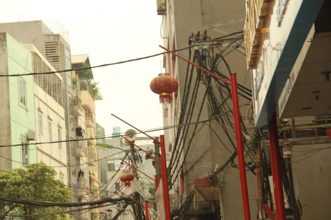 Sau thất bại của tuyến phố kiểu mẫu đầu tiên, Hà Nội xuất hiện thêm tuyến phố kiểu mẫu thứ 2 gây tranh cãi - Ảnh 3.