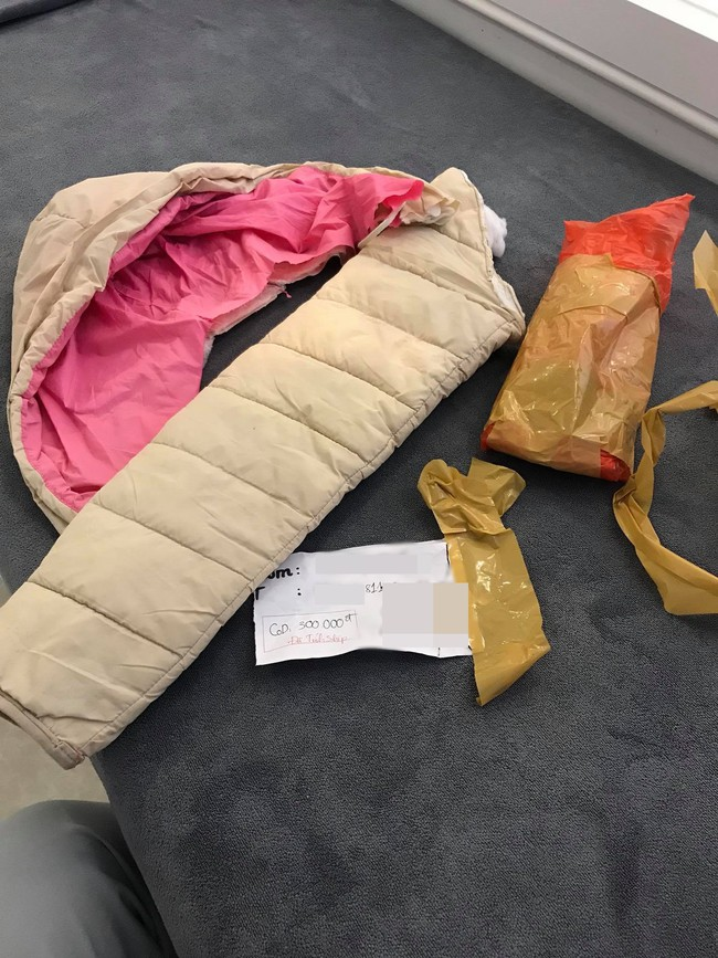 Đặt mua 2 chiếc áo thun co giãn của shop online, bà mẹ trẻ tá hỏa nhận nguyên combo... 1 mũ và 1 ống tay áo phao - Ảnh 5.
