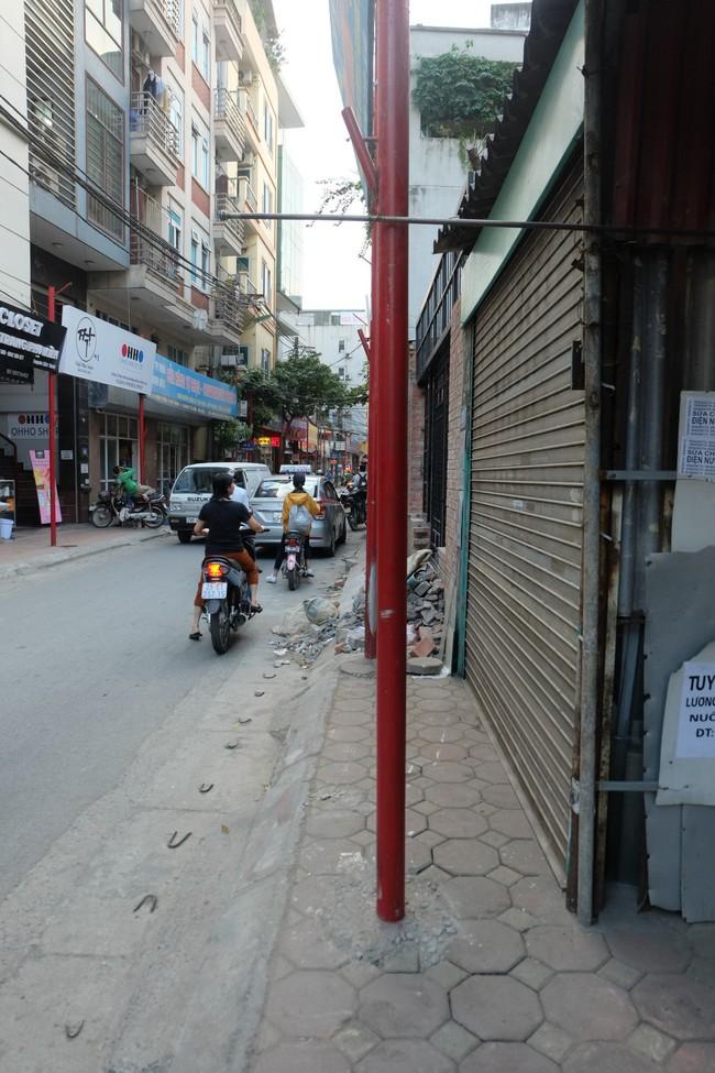 Sau thất bại của tuyến phố kiểu mẫu đầu tiên, Hà Nội xuất hiện thêm tuyến phố kiểu mẫu thứ 2 gây tranh cãi - Ảnh 6.