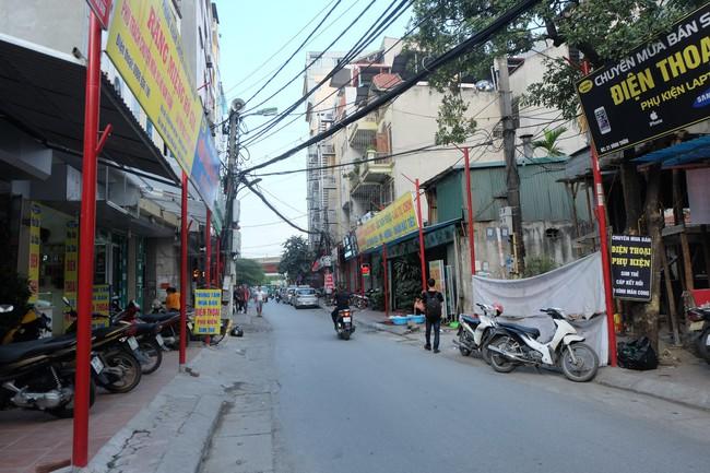 Sau thất bại của tuyến phố kiểu mẫu đầu tiên, Hà Nội xuất hiện thêm tuyến phố kiểu mẫu thứ 2 gây tranh cãi - Ảnh 7.