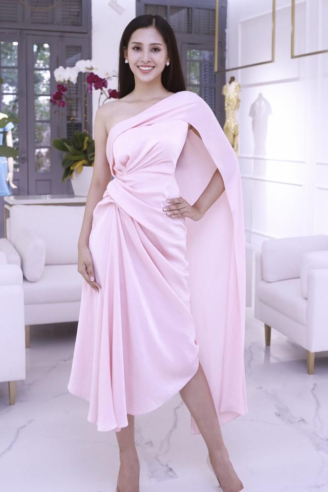 Choáng ngợp với số lượng quần áo mà Hoa hậu Tiểu Vy mang đi Miss World: Dường như cả làng mốt Việt đang vào cuộc! - Ảnh 13.