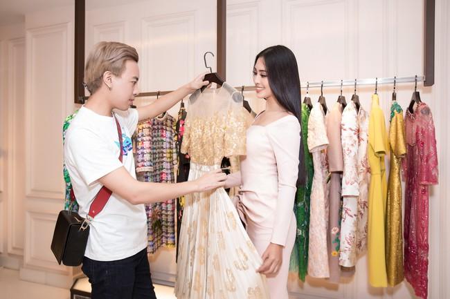 Choáng ngợp với số lượng quần áo mà Hoa hậu Tiểu Vy mang đi Miss World: Dường như cả làng mốt Việt đang vào cuộc! - Ảnh 11.