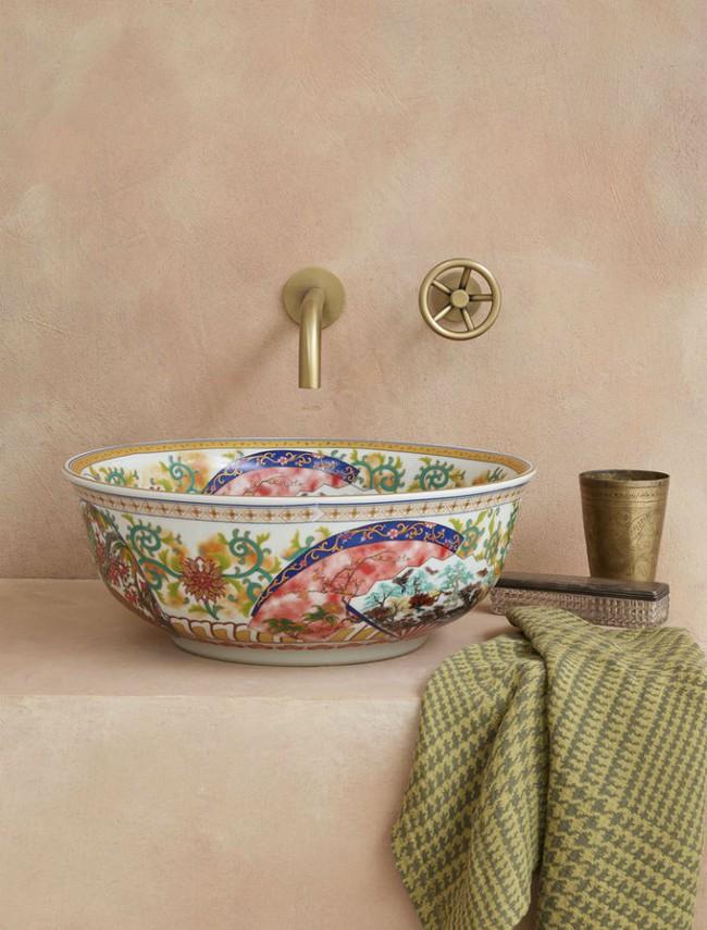 Thổi hồn nghệ thuật đương đại vào phòng tắm với thiết kế bồn rửa tay sứ chạm khắc hoa văn đẹp tuyệt - Ảnh 9.
