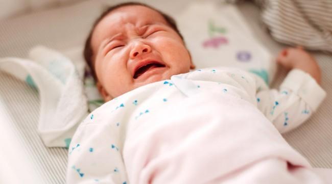 Trẻ 4 – 5 tháng tuổi có thói quen tỉnh giấc nửa đêm, mẹ thông thái sẽ lưu ý 6 điều này - Ảnh 2.