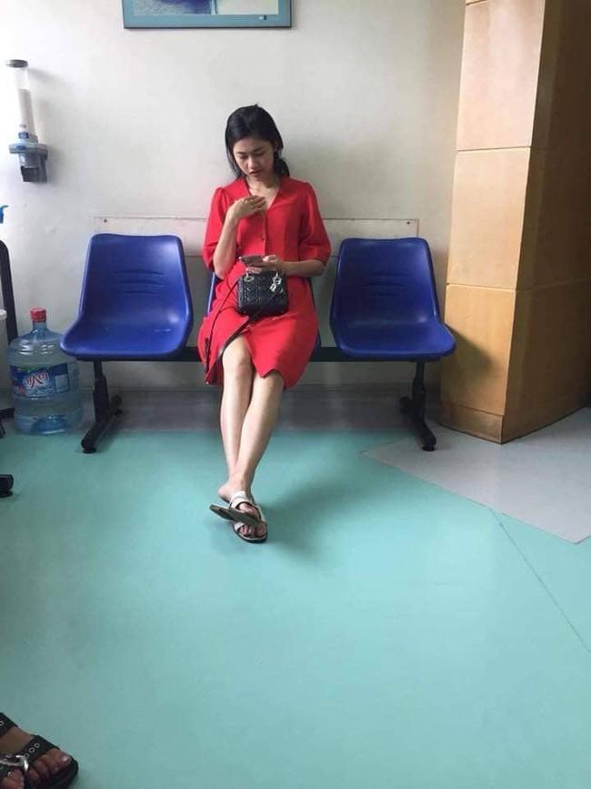 Rộ hình ảnh được cho là Á hậu Thanh Tú đi khám thai tại bệnh viện - Ảnh 1.