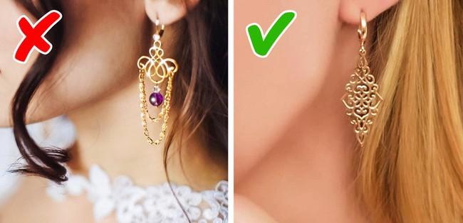 9 kiểu đeo trang sức sai quá sai sẽ khiến chị em già đi trông thấy - Ảnh 5.