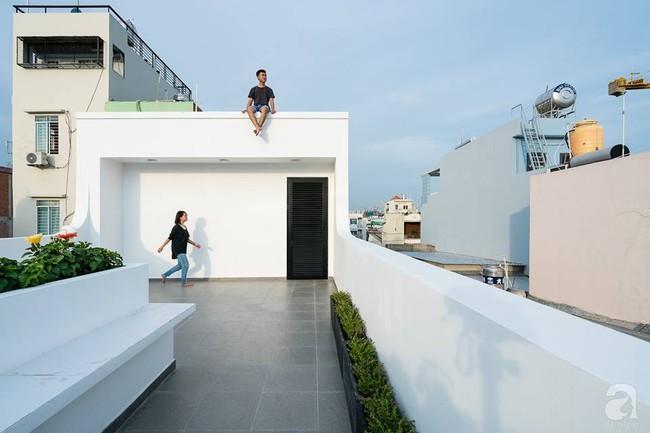Nhà mặt phố vừa đẹp vừa thoải mái tránh khói bụi đường phố ở TP. HCM - Ảnh 26.