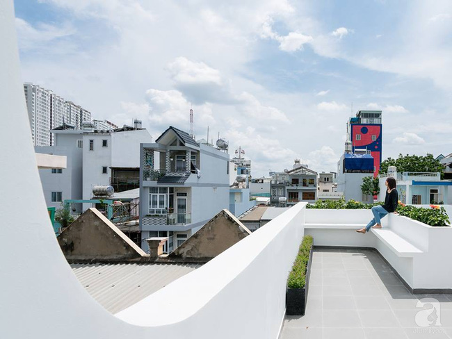 Nhà mặt phố vừa đẹp vừa thoải mái tránh khói bụi đường phố ở TP. HCM - Ảnh 25.