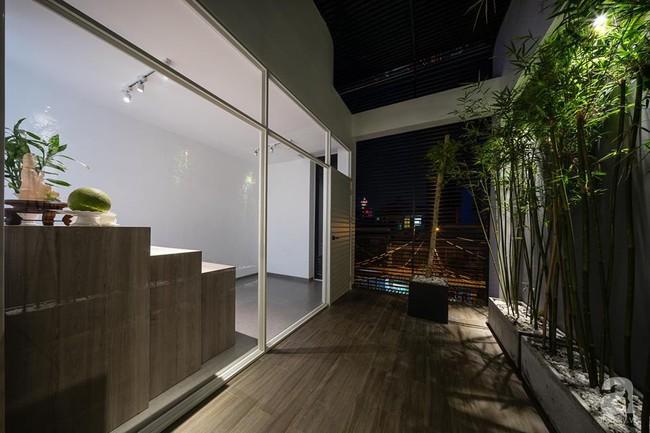 Nhà mặt phố vừa đẹp vừa thoải mái tránh khói bụi đường phố ở TP. HCM - Ảnh 23.