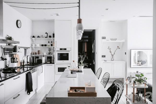 Căn hộ 74m² ở Hà Nội đẹp ấn tượng với gam màu trắng - đen của chàng trai là nhiếp ảnh gia ẩm thực - Ảnh 8.