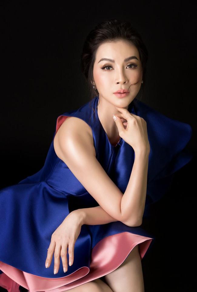 U50 Thanh Mai vẫn táo bạo diện chiếc áo mà ai mặc cũng phải dè chừng - Ảnh 11.