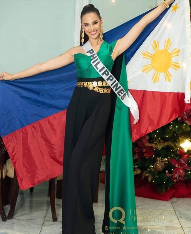 Style của tân Hoa hậu Hoàn vũ Catriona Gray: từ đầu đến cuối đều lộng lẫy như bà hoàng, phần nào đoán được trước cái kết viên mãn - Ảnh 3.