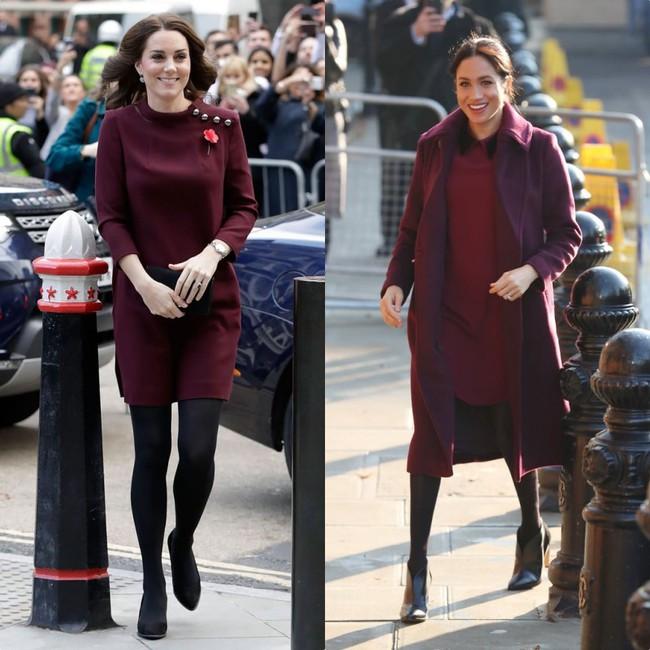 Rõ ràng vướng tin đồn bất hòa, vậy mà Công nương Meghan và chị dâu Kate vẫn đầy những pha mặc đồ y chang nhau - Ảnh 2.