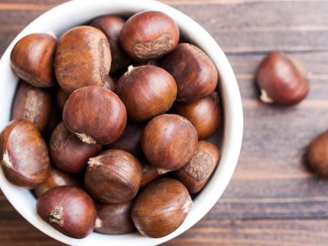Ăn hạt dẻ vào mùa đông ngon thật ngon nhưng không phải ai cũng biết dùng đúng cách - Ảnh 1.