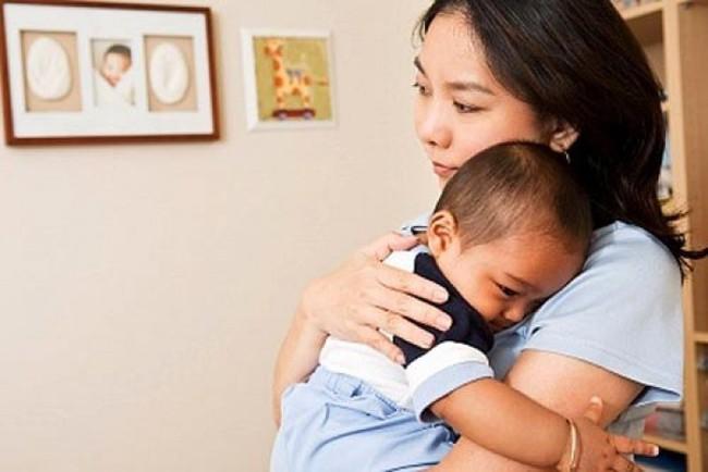 Chỉ cần nằm lòng 4 bí quyết này, bố mẹ sẽ rèn con ngủ ngoan ngay từ những tháng đầu đời - Ảnh 1.