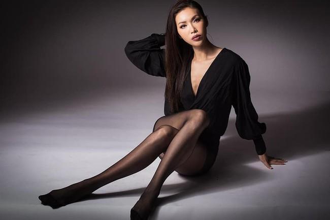 Minh Tú tạo dáng xuất thần khi được mời chụp hình ở Miss Supranational - Ảnh 2.