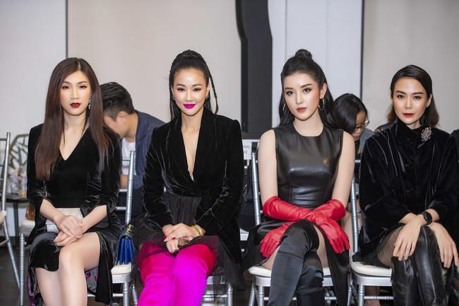 Mẹ đơn thân Hồng Quế hóa thân thành cô dâu ma lạnh đến gai người làm trong show thời trang - Ảnh 4.